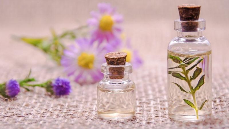 Les huiles essentielles pour assainir la maison