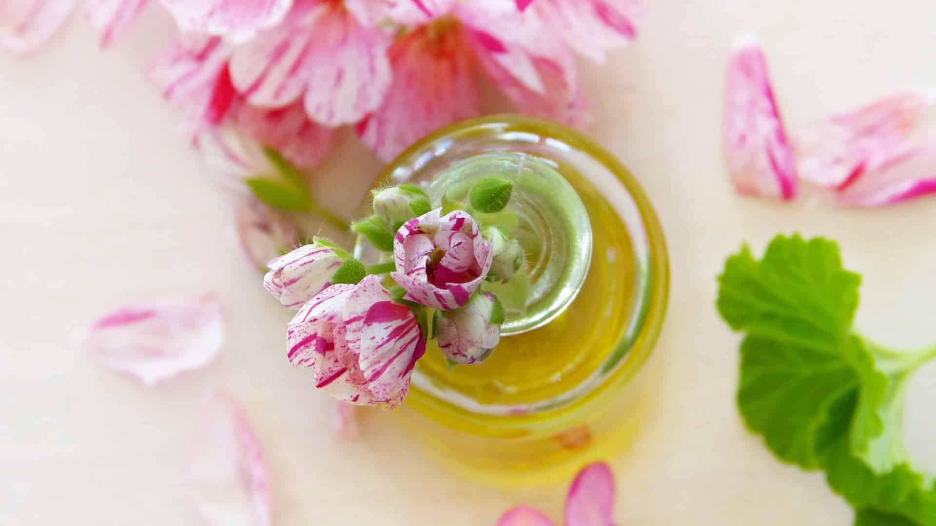 Tous les bienfaits de l'huile essentielle de palmarosa