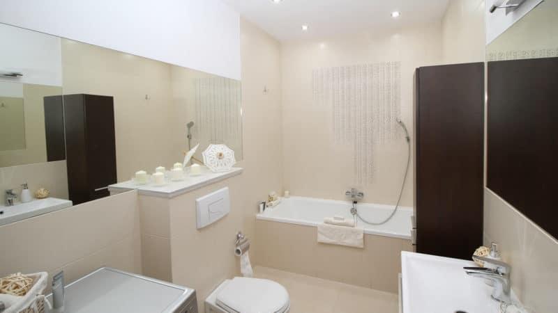 Décoration de salle de bain : optez pour des meubles en teck
