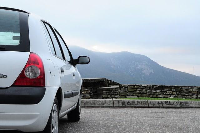 Acheter une auto avec beaucoup de kilomètres : bonne ou mauvaise idée ?