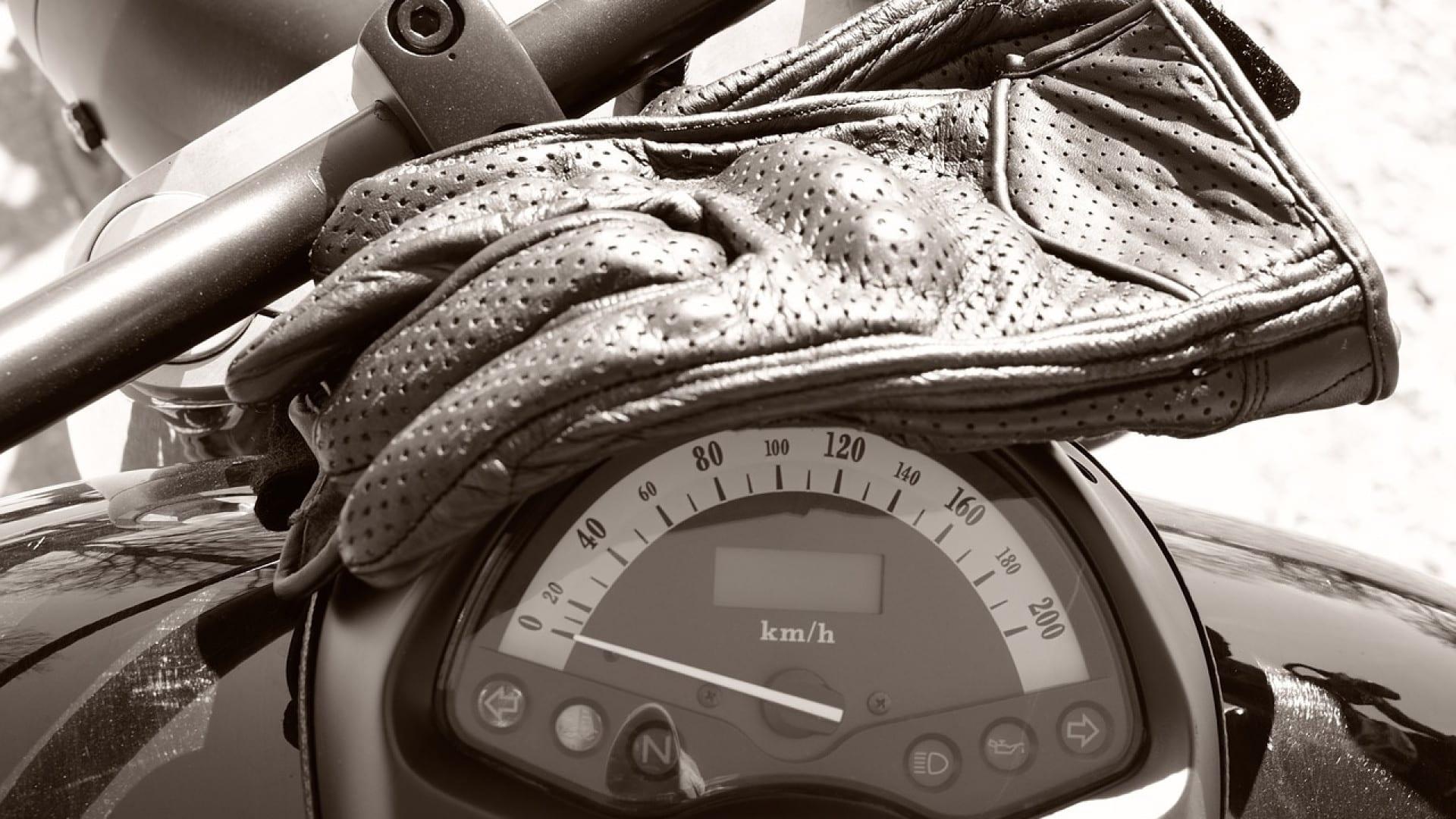 Comment se procurer des gants de moto mi-saison en ligne ?