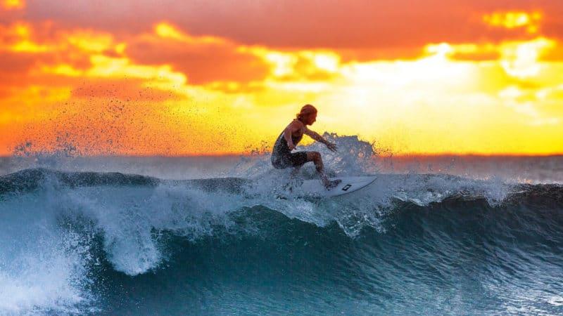 Pourquoi choisir d'apprendre à surfer à Biarritz ?