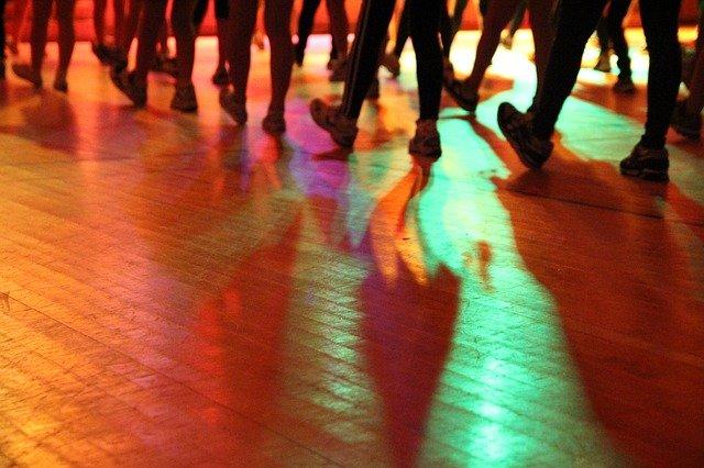 Comment créer une soirée dansante de mariage de folie ?