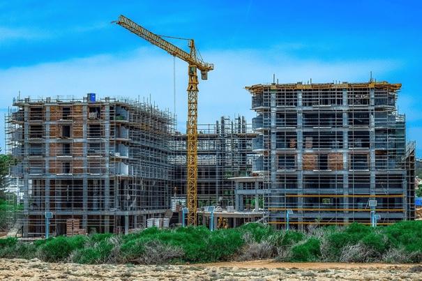 Installer un système d'alarme pour sécuriser un chantier