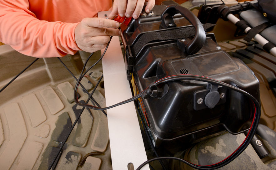 Comment choisir un chargeur batterie pour son bateau?